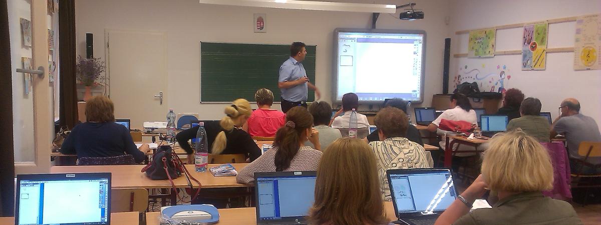 Számítógépes tanfolyamok felnőtteknek, pedagógus képzés